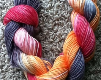 A yarn with no name - sock weight - 200 yards - 53 g - 1.9 oz