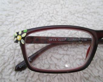 Reading glasses hand painted, daisy readers, flower readers, floral eyewear, spring readers, 2.50, daisy cheaters, daisy eyewear