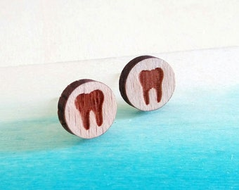 10 pcs  Round Tooth Wood Charm / Earring Supplies / Wood Cabochons LCW01