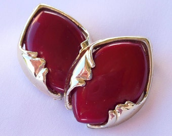 Vintage Lucite Earrings - Cherry Red Clip Backs - 1950s Retro Estate Jewelry