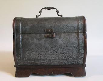 Chest, Vintage, Small, Shelf Dresser Tabletop Display Wooden Treasure Keepsake Memento Box