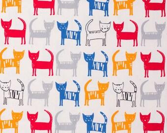SALE | Kawaii Japanese fabric in oxford cotton by Hokkoh - kawaii cat - 1/2 YD