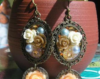 LIVANNA Dangle Vintage Cameo Resine Cabochon Earrings Brown Ivory Peach Flowers
