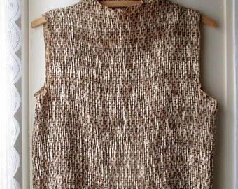 ON SALE Vintage crinkled sleeveless blouse / textured brown and beige top / chain mail blouse / size medium to large
