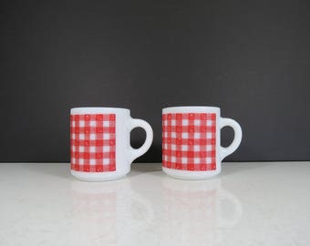 Pair of Plaid Glass Coffee Cups // Vintage Set of Two Stacking Retro Milk Glass Coffee Cups Mid Century Retro Red White Camping Cabin Rustic
