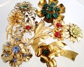FREE Shipping Vintage Flower Brooch Lot of 8 Pins Metal Plastic Rhinestone Power Gold Silver Tone Signed Pegasus Coro Antique Red blue green