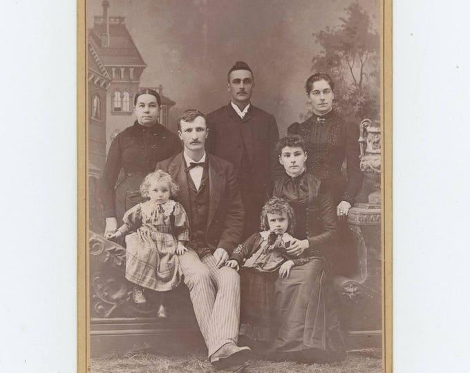 Antique Cabinet Card Photo c1890s : Family Portrait by Ritchie Bros. Studio, Kingman, Kansas (711620)