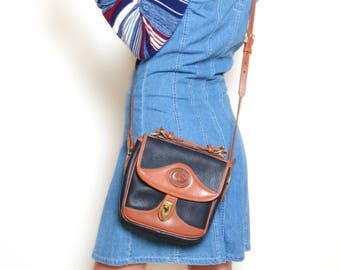 Vintage 90's Dooney & Bourke Leather Cross Body / Messenger Bag