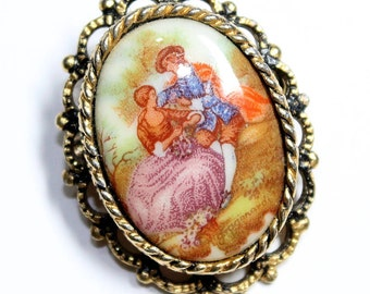 Fragonard Lovers Courting Couple Picture Small Vintage Brooch/Pendant (c1960s)
