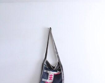 Island Horse Woven Souvenir Bag