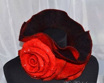Felted scarf Felted scarf Scarf with brooch Black scarf with rose brooch Red skarf Women scarf Wool scarf with brooch Women gift Mothers Day