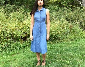 Vintage Denim Sleeveless Collared Button Down Midi Dress with Raw Hem