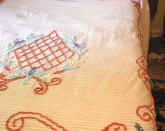 Cotton chenille full size bedspread / vintage