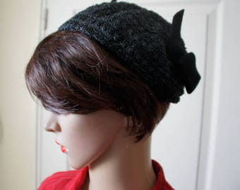 Hat or Fascinator black 1940s. Vintage.