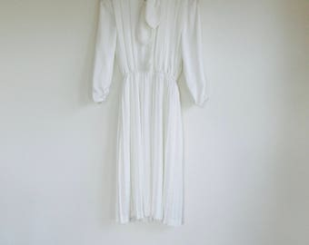 1960s white Japanese silk shirtdress. Fits a size xs / small