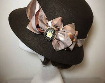 Downton abbey, brown hat, 1920s hat, vintage hat, gift for her,  cameo brooch