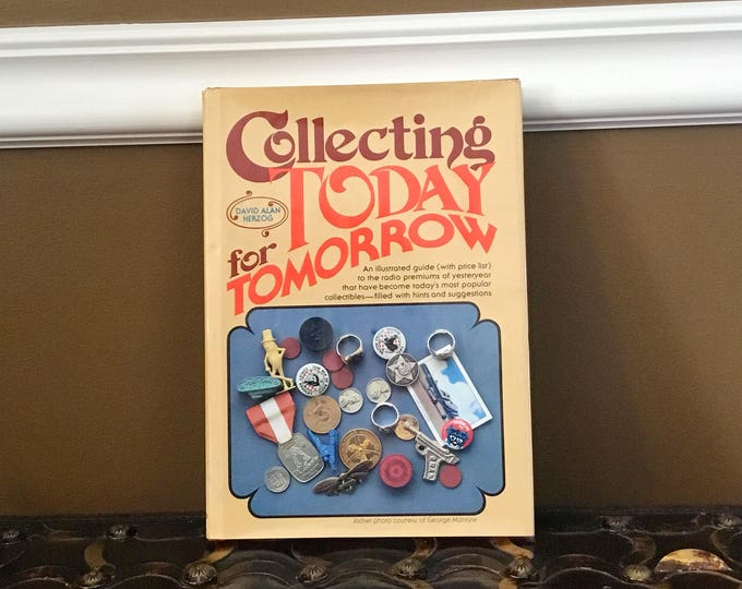 """COLLECTOR BOOK David Herzog's """"Collecting Today for Tomorrow"""" 1980 Radio Premiums"""