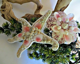 Pink seashell ornaments set of 2_Star fish and flower pink seashell ornaments _beach decor_coastal christmas, valnetines_mothers