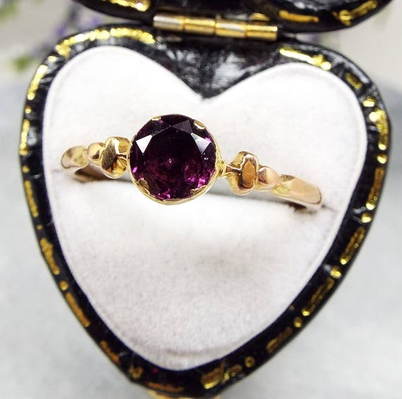 Antique Georgian Victorian 9ct Gold Solitaire Foiled Purple Amethyst Ring Size O