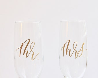 SALE! Set of Two Mr and Mrs Champagne Flutes | Wedding Glasses | Wedding Champagne Glasses | Fancy Elegant Champagne Glasses|Champagne Toast