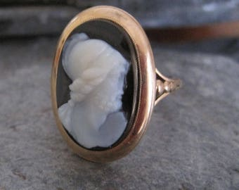 Victorian Hardstone Cameo Ring Onyx in 14k Yellow Gold - JL943