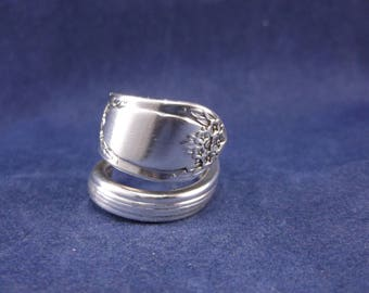 """FREE SHIPPING- Silver Plate Spoon Ring- 1937 """"Rapture""""- Spoon Jewelry- size 7"""
