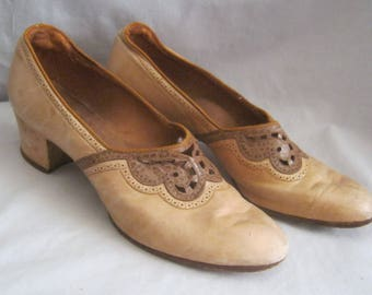 Vintage 30's SLIP ON PUMPS All Leather Low Heel Teo Tone Sz 6-6,5