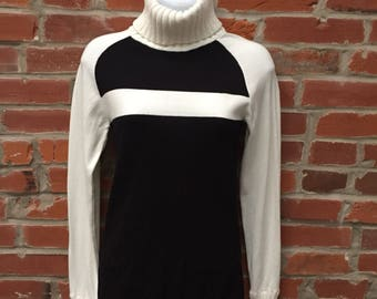 Vintage 90s Black White Ribbed Turtleneck Sweater