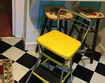 Vintage 1970s Bright Yellow Retro Kitchen Work Stool Seat Step Ladder Unit  Made Of Chrome Plated