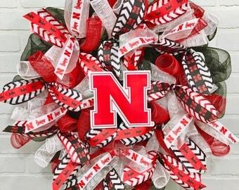 Nebraska Door Wreath, Nebraska Huskers Mesh Wreath, Nebraska Cornhuskers Ribbon, Nebraska Fan, Nebraska Huskers Gift, Huskers Decor