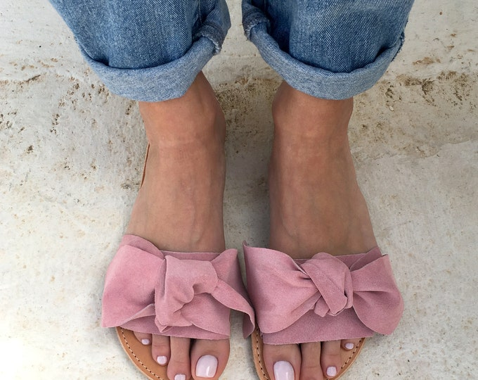 Featured listing image: bow sandals in light pink leather