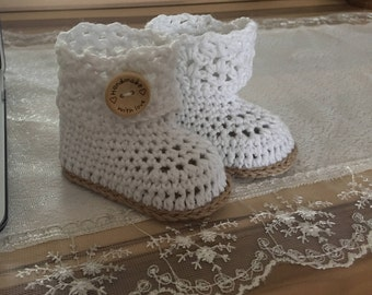 CROCHET PATTERN, instant download, crochet booties,crochet boots, pdf very easy to follow, full of pictures,crochet pattern no.15