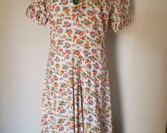 Adorable Vintage Floral Day Dress (Large)