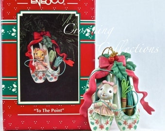 Enesco To the Point Mouse Treasury of Christmas Ornament Mouse in Ballet Slippers Sewing Needle M. Gilmore Designs Vintage Knitting Mice