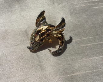 Vintage Retro Metal Pin Brooch in a Fish Design with Enamel Decoration