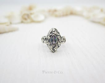 8 carats Antique Marquise Cut Mystic Topaz Sterling Silver Ring (Size 7)