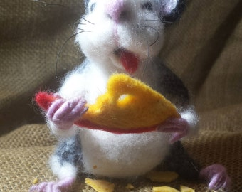 Needle Felted Rat with cheese, Cute Felted Rat,