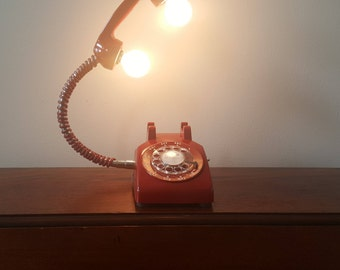 Vintage Rotary Phone Lamp (Red)