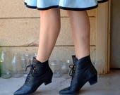 Rad Victoria Boots | vintage 80's does Victorian heeled black lace up ankle boots | 7