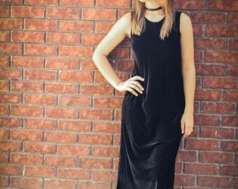 Vintage Black Velvet Sleeveless Maxi Dress