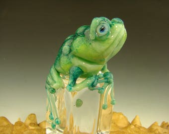 Chillin Glass Frog on Ice Paperweight Toad Figurine Sculpture Art Green ( Ready to Ship )