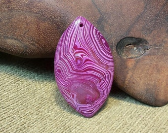 Striped Magenta Pink Horse Eye Coin Agate Druzy