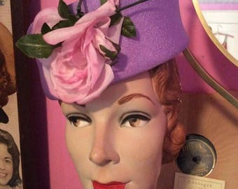 Vintage 1950s 1960s Hat Pillbox Lavender With A Pink Rose