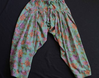 Floral Harem Pants | high waist drawstring tie closure tapered leg botanical flower print teal purple medium M large L womens VINTAGE 70s