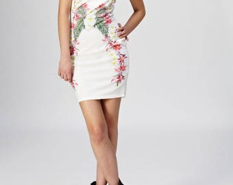 Hawaiian Floral Graphic Art White Strapless Dress