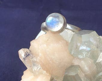 Moonstone Round 92.5 Handmade Silver Ring US SIZE 8