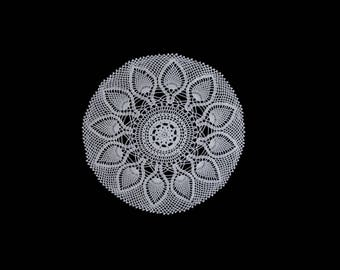 Vintage handmade crocheted doily centerpiece -- large white doily with thistle pattern --  21.5 inches / 54.5 cm