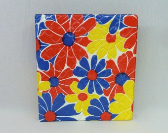 70s Flower Power Binder - Primary Colors Red Blue Yellow - Quilted Plastic Texture - 3 Ring School Binder - Vintage 1970s