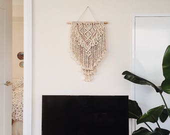 Macrame wall hanging, small size, 3mm cotton rope  / bohemian / nursery decor / tapestry