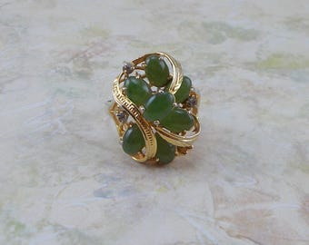 Vintage Multi Stone Jade Green 18k HGE Size 7 Ring  5523
